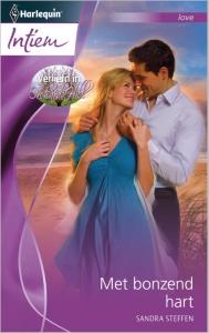 Met bonzend hart - Intiem 2002 - Een uitgave van de romantische reeks Harlequin Intiem  - Deel 1 van de miniserie Verliefd in Orchard Hill