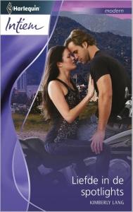 Liefde in de spotlights - Intiem 2064 - Een uitgave van de romantische reeks Harlequin Intiem