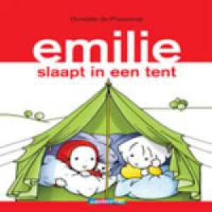 Emilie 11: Emilie slaapt in een tent