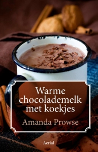 Warme chocolademelk met koekjes