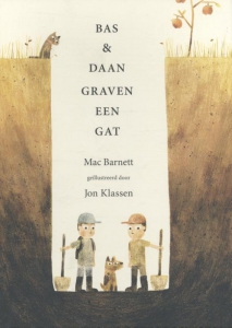 Bas en Daan graven een gat