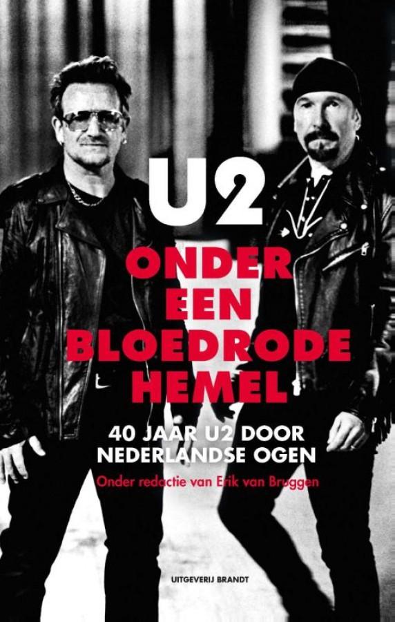 U2 onder een bloedrode hemel