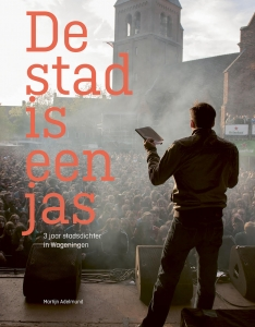 de_stad_is_een_jas_covergroot